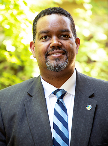 TOWN MANAGER MAURICE JONES