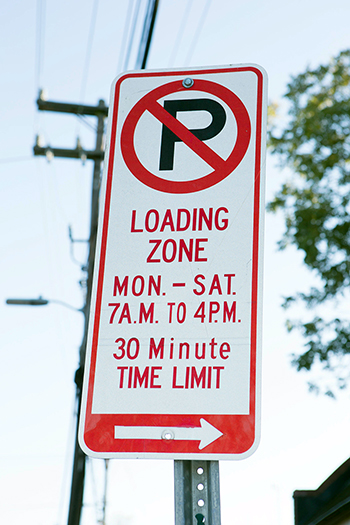 Loading_zone_sign_350